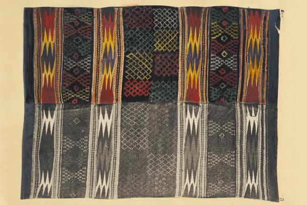 Handkolorerat fotografi från Lilli Zickermans inventering av textilslöjd 1910-1931, ur Nordiska museets arkiv. Foto: Nordiska museet