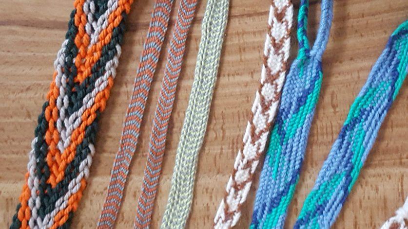 Band i olika färger