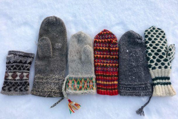 Olika slags vantar i snö